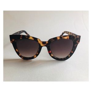 Cat eye tortoiseshell sunglasses